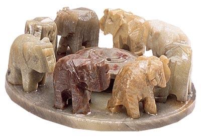 """Räucherstäbchenhalter """"Elefantenfamilie"""" - Speckstein"""