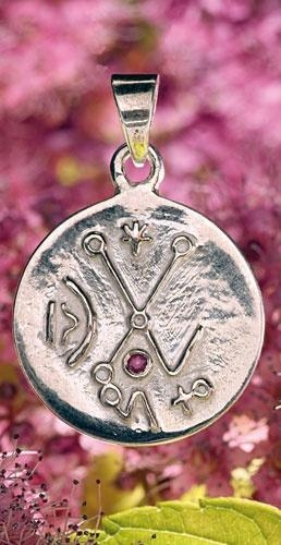 Venusisches Liebeszeichen, silber mit Rubin