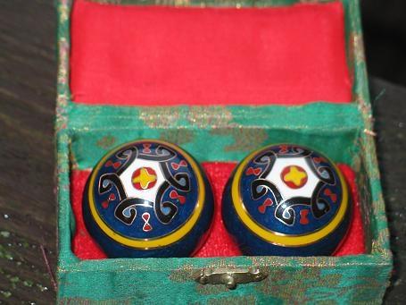 Qi Gong Kugel: Ornament blau