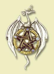 Erddrache mit Pentagramm