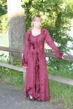 Kleid geschnürt mit Samteinsätzen - bordeaux